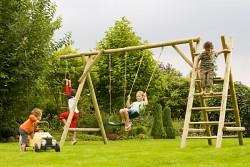 Houpačka Wills Park z dřevěné kulatiny